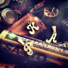 Dije de letras, abecedario, iniciales, Bimetal de la A a la Z