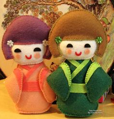 Kokeshi - feltro, via Flickr.