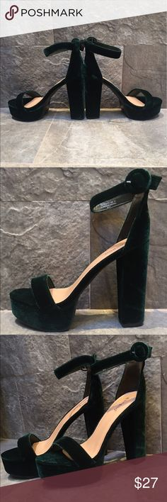 Velvet / Micro Suede Chunky Block Heels by Bamboo Super soft velvety, chunky platform heels that look almost exactly like CHINESE LAUNDRY AVENUE style when worn! NWT never been worn and in shoe box! These are a very very dark hunter green, so in dim light they look black (all pics except last), but in bright light they have a green glow to them (see last pic). Muted but have a fun twist. The block heel thins out your legs! IF YOU ARE SIZE 8 THESE WILL BE TOO BIG! Not huge, but not wearable…
