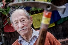 El mestre de l'alpinisme català ha recollit els records de les seves expedicions en el llibre: Alpinisme sense ficció
