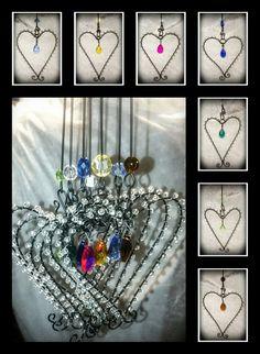 Hjärta med färgglad glasprisma och pärlkant via Krokpärla Luffarslöjd. Click on the image to see more!