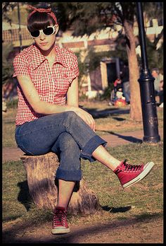 Pinup Fashion: another rockabilly gal. Love her shades!