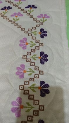 Hardanger Embroidery, Hand Embroidery, Cross Stitch, Crochet, Hand Embroidery Flowers, Embroidered Towels, Cross Stitch Embroidery, Embroidery Patterns Free, Cross Stitch Love