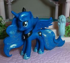 Princess Luna by SanadaOokmai.deviantart.com on @deviantART