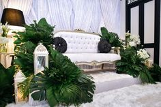 love this! only thing is... if my dais designer can turn this into hall dais instead...