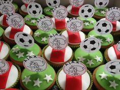 Ajax cupcakes Birthday Boys, Soccer Party, Sugar, Desserts, Food, Tailgate Desserts, Deserts, Essen, Postres