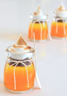 'Night before' Halloween Pots How-To ~ Two smooth layers of jelly followed by a 'cookie crunch' level… and some soft 'gooey' meringue on top... cute & yummy!