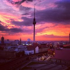 Berlin by SwissMadame Cn Tower, Berlin, Skyline, Social Media, Spaces, Building, Awesome, Travel, Viajes