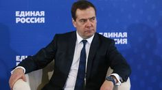 Russian Prime Minister Dmitry Medvedev has warned that the country faces a risk of a deep recession if the government ditches its spending plans.