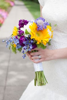 Sunflower Wedding Bouquets with Blue | Sydney and Treavor – Portland LDS Temple and Lacamas Lake Lodge