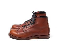The insanely good-looking Red Wing Beckman Wingtip Red Wing Heritage Boots, Red Wing Boots, Wing Shoes, Men's Shoes, Shoe Boots, Mens Brogue Boots, Amazing Watches, Shoe Company, Leather Shoes