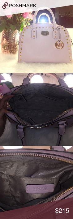 Pink Michael kors bag✨🎀 used once ...light pink MK bag with gold accent Michael Kors Bags Shoulder Bags