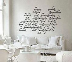 Déco graphique masking tape sur mur salon                                                                                                                                                      Plus