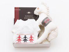 Cadoul cu poveste Christmas Stockings, Christmas Ornaments, Holiday Decor, Box, Kids, Design, Home Decor, Needlepoint Christmas Stockings, Homemade Home Decor