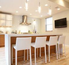 pendelleuchten in der küche kücheninsel barstühle