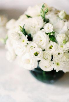 White Wedding Flowers | photography by http://www.brancoprata.com/