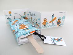 """Agecny: Iglöo Creativo  Project Type: Self Promotion  Location: Spain  Packaging Contents: Fashion  Packaging Materials: Paper   """"Los playe..."""