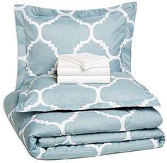 AmazonBasics 7-Piece Bed-In-A-Bag - Full/Queen, Dusty Blue Trellis AmazonBasics http://www.amazon.com/dp/B00U2WGET2/ref=cm_sw_r_pi_dp_XOkDwb1D5BV9F