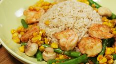 Non Chop Prawn Stir Fry. A quick, easy and healthy prawn stir-fry to replace your takeaway. Fried Mushrooms, Stuffed Mushrooms, Prawn Stir Fry, Mushroom Soy Sauce, Meal Planner, The Help, Real Food Recipes, Green Beans