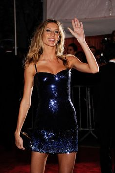 "Gisele Bundchen - ""The Model As Muse: Embodying Fashion"" Costume Institute Gala - Arrivals"