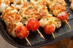 Spiedini di pesce gratinati al forno Fish Dishes, Antipasto, Light Recipes, Italian Recipes, Baked Potato, Barbecue, Seafood, Food And Drink, Eggs