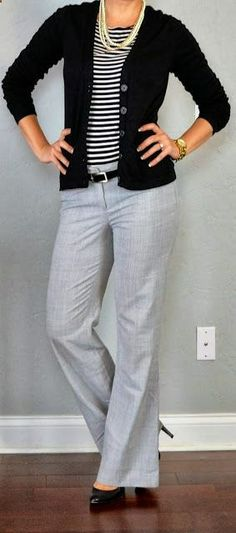 outfit posts: striped shirt, black cardigan, grey 'editor' pants - business professional outfits for interview Grey Pants Outfit, Böhmisches Outfit, Outfit Posts, Outfit Work, Outfits With Gray Pants, Cardigan Outfits, Grey Slacks, Grey Trousers, Shirt Outfit