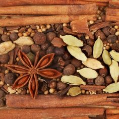Comment faire ses propres mélanges d'épices ? Look And Cook, Homemade Seasonings, Spices And Herbs, Seasoning Mixes, Dressing, Some Recipe, World Recipes, Spice Mixes, Chutney