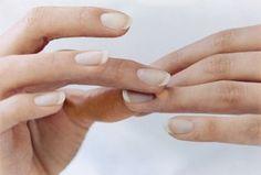 Les huiles essentielles pour les ongles cassants