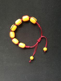 hand chain 用中国结玉线串起来编织的手链。