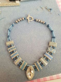 Carrier bead necklace