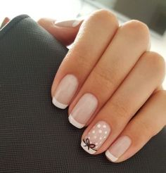 On average, the finger nails grow from 3 to millimeters per month. If it is difficult to change their growth rate, however, it is possible to cheat on their appearance and length through false nails. Pastel Pink Nails, Pink Nail Art, Nail Art Dots, Purple Nail, White Nail Art, Art Nails, Pastel Colors, Nagellack Design, Nagellack Trends
