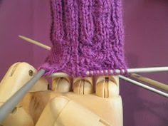 ARTES-ANAS: CALCETINES 5 AGUJAS,TALÓN Y CAZUELA, (2 DE 3) Fingerless Gloves, Arm Warmers, Crochet, Knit Socks, Long Scarf, Tricot, Vestidos, Stocking Pattern, Knitting Scarves