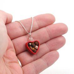 fofurinha - http://www.etsy.com/listing/90180139/box-of-chocolates-necklace-valentine