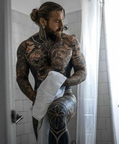 What do you think of this ? Sexy Tattooed Men, Bearded Tattooed Men, Hot Bearded Men, Hot Guys Tattoos, Beard Tattoo, Tattoo Man, Male Tattoo, Geniale Tattoos, Ginger Beard