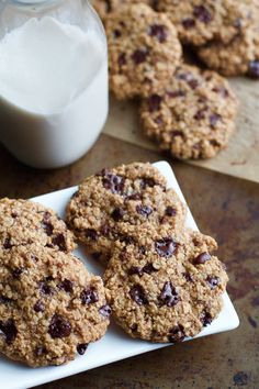 Dark Chocolate Almond Oatmeal Cookies | running with spoons