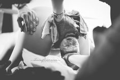 This unforgettable entry into the world. | 19 Shockingly Beautiful Birth Photos From 2016