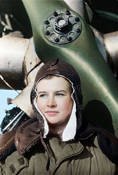 """Natalya Meklin, awarded the """"Hero of the Soviet Union"""", was 19 when she joined the Night Witches. Female Pilot, Female Hero, Female Soldier, Military Women, Military Art, Military History, Colorized History, Socialist Realism, Red Army"""