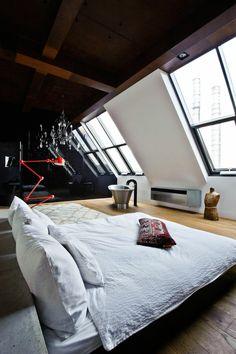 innendesign modernes schlafzimmer dachgeschoss schwarze akzente