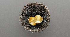Contemporary New Zealand Jewellery by Jane Dodd