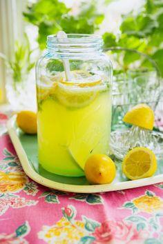 Lemon-mint lemonade.