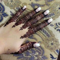 We have Arabic new mehndi designs plane for you. The simple Arabian mehndi design is for beginners. Dulhan Mehndi Designs, Mehandi Designs, Mehndi Designs 2018, Mehndi Designs For Girls, Mehndi Designs For Beginners, Mehndi Design Photos, Unique Mehndi Designs, Mehndi Designs For Fingers, Beautiful Henna Designs