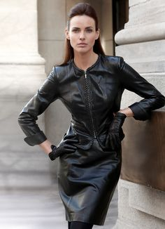 Photography, fetish, fashion, leather, latex and. lots of gloves Leather Gloves, Leather Pants, Latex, Leder Outfits, Leather Dresses, Leather Skirts, Fashion Outfits, Womens Fashion, Leather Fashion