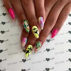 SPN UV LaQ 561 Night in Miami, 503 Black tulip, 624 Sour lemon. Nails by Alesia, Lejdis Nail Spa, SPN Team Ziolena Góra  www.SPNNails.com/s,LakieryHybrydowe