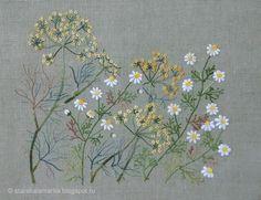 """Вышивка по японскому дизайну из книги Sadako Totsuka """"Herb Embroidery on Linen 1"""". Вышита японским мулине Cosmo. Подробности в блоге starakalamarka.blogspot.ru"""