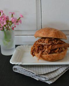 Miris Jahrbuch: Pulled Pork Sandwiches. Oh mein Gott. So, so, so gutes Pulled Pork! Supergeil!