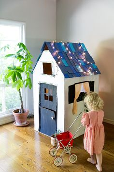 DIY CARDBOARD PLAYHOUSE FROM A BOX