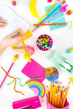 » 4 Easy Back-To-School Supply DIYs