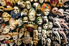 The best souvenirs to bring home from 19 countries around the world- Italy, Venetian masks