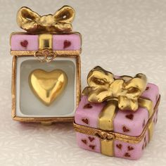 Limoges pink gift box with gold heart [Thanks to my dear @Zoeplum ☆*`*♥ Kitty <3; I love this<3]