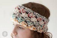 crochet headband with flower patterns - Google Search Crochet Ear Warmer Pattern, Crochet Snood, Quick Crochet Patterns, Crochet Headband Pattern, Crochet Flower Patterns, Chunky Crochet, Crochet Patterns For Beginners, Free Crochet, Chunky Yarn
